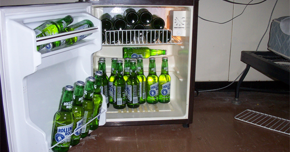 walking-fridge-heineken-articleimg